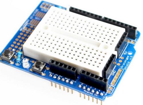Arduino PROTO shield v5 с минибеспайкой на 170 точек